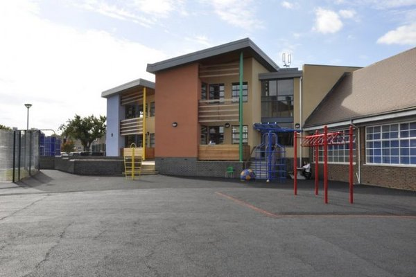 Enfield, Durants School - 4/5